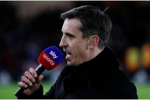 """""""We got dominated"""" – Neville critiques England midfield including Kalvin Phillips"""